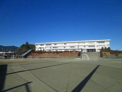 東観中学校